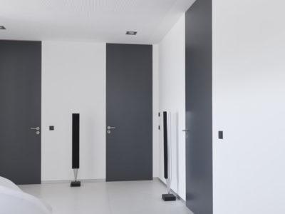 Swing-Door_Flush-with-the-wall_Hallway